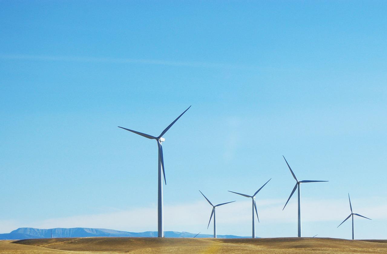 wind-turbines-1-1416171-1279x838